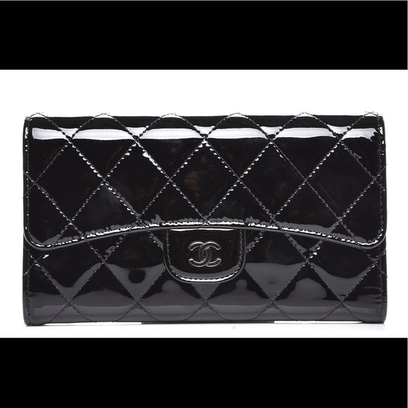 2b8ee82991cb2d CHANEL Handbags - Chanel classic Flap wallet Black patent authentic